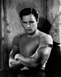 Marlon Brando jako Stanley Kowalski (Tramwaj zwany pożądaniem)