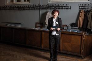 Charlotta Woźniak na fotografii Katarzyny Gębarowskiej