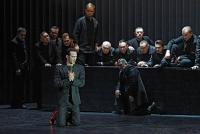 """""""POTĘPIENIE FAUSTA"""" - Opera Nova w Bydgoszczy. Szymon Komasa jako Mefisto, z tyłu stoi Łukasz Załęski jako Faust."""